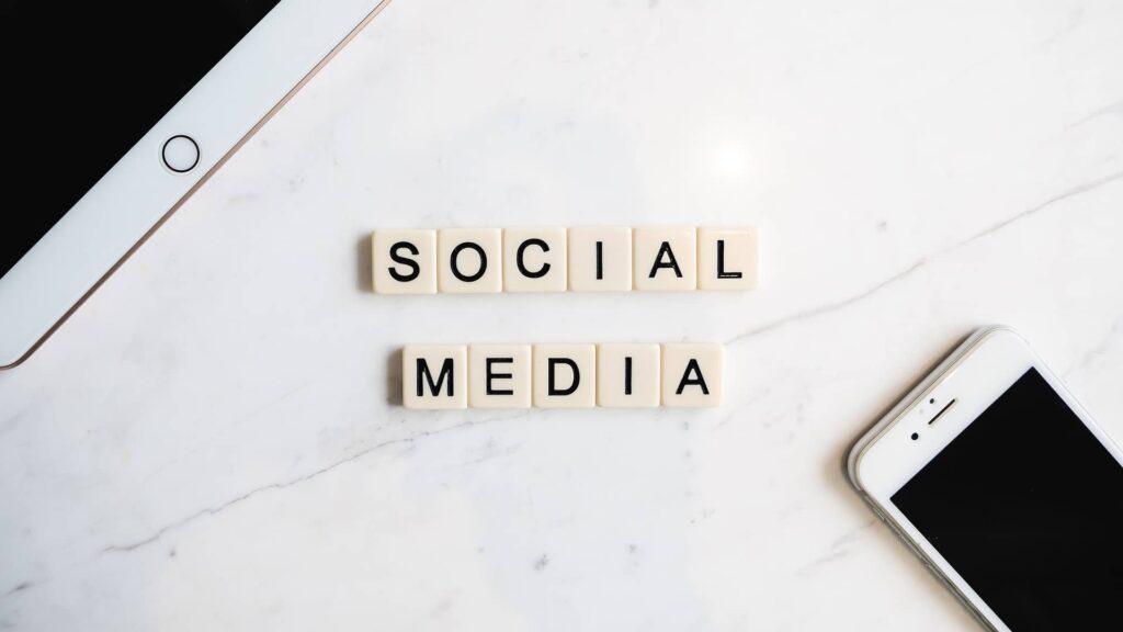 social media 4523105 1920